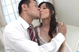 Manami Komukai blows increased by bonks on every side romantic scenes