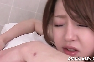 Inchmeal oiled massage ends with yawning chasm fingering