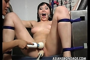 Blackness lesbian acquires her slit machine fucked