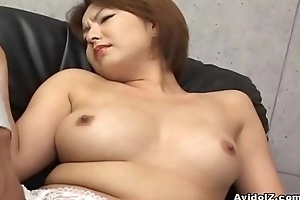 Japanese babe gets will not hear of haiy cunt fingered To the greatest