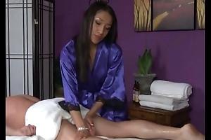 Oriental massage beautie blows client lovingly