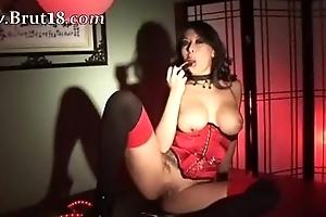Elf-like chinese chick masturbates