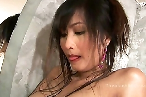 Alexa Kee masturbating in the dust