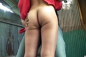 Uncensored JAV public nudity milf caught HD Subtitled
