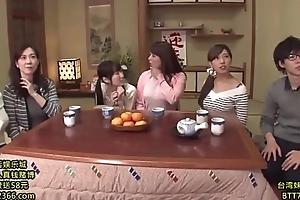 Japanese relaxation show, Hyperactive link ( 2hours):http://shink.me/VgN5W