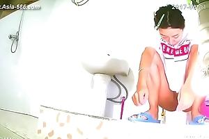 snooping chinese girls bathing.5