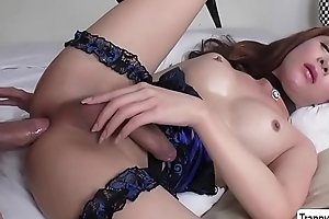 Petite TS Plam gets her aggravation destroyed - trannygirlz.com