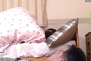 Japanese Cuckold Cleans Routine Cummy Pussy