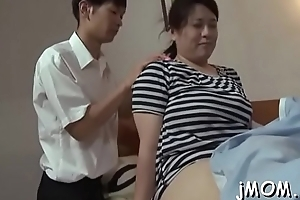 Babe gives sexy teat wank