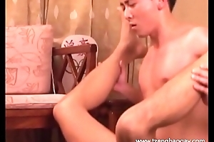 Attracting Hunk Rides Cock