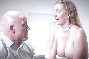 Bald-headed vendor fucks his lovely uncle