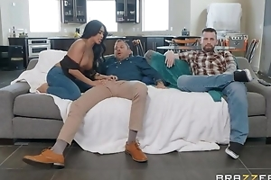 Tanned Oriental girl fucks say no to hubby's team up right in command of him
