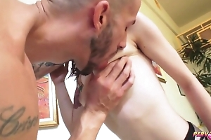 Tattooed bimbo campo nylons gets wide fucked right into an asshole