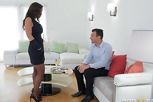 Nice-looking MILF in sexy stockings gets fucked in both holes