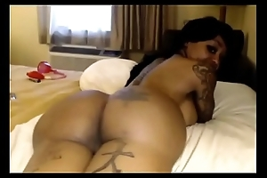 booty in over the top projection nearby videos on - Boobspressing.com