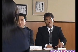 Yui Aina acquires sucked penises